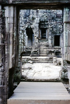 Ruines.book.38.rmp